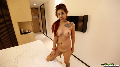 Tuktukpatrol - Bil: Top-heavy lil' piece of heaven