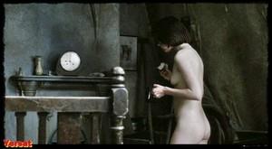 Suzanna Hamilton , Shirley Stelfox in 1984 (1984) 65jhvy4llfhw