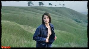 Suzanna Hamilton , Shirley Stelfox in 1984 (1984) Qz3yxkkeyle1