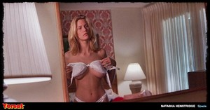 Natasha Henstridge / Marg Helgenberger in Species (1995) 39uv1relaiw0