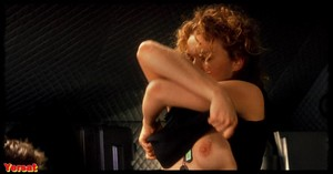 Dina Meyer  in Starship Troopers (1997) 6r1z8ehbh19c