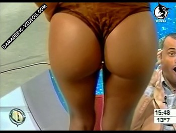 Jesica Cirio hot ass in thong camera close up