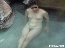 No.02026_1 Hot-spring bath older women