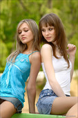 Lidiya & Monika - Postcard from the Edge (2007-07-05)
