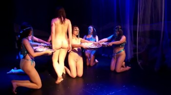 Celebrity Content - Naked On Stage - Page 5 Rh1940o0z6vi