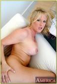 Bethany-Sweet-Housewife-1-on-1-o6s7euwayz.jpg