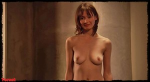 Emily Mortimer @ Lovely & Amazing (UK 2001) 9uwqnx09iww4