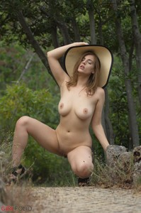 Lottii Rose - Artistic Nudity  06qucew305.jpg