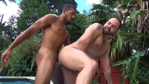 RawFuckClub – Hot Tub Breeding (Mike Maverick & Alejandro Fusco) Bareback