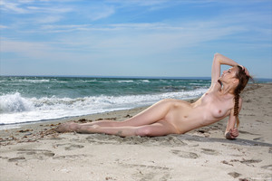 Elle-Beach-Story--o6trm80d0z.jpg
