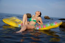 3R0T1C B3@UTY - Mirela A - Float Away