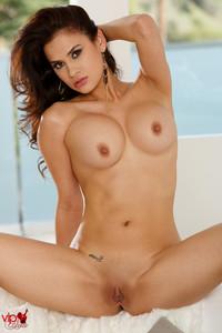 Vanessa Veracruz - Sexy Secretary g7atw4e5yf.jpg