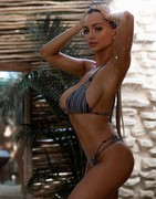 Lindsey Pelas mixed sexy pics