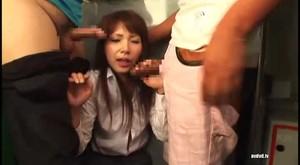 T28-218 Yu Ai Princess Pies OL Molester Bus Commute sc2