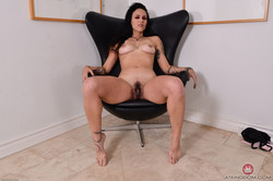 Delta-Hauser-Mature-and-Hairy-96-pics-3000px-f6t60f6l7a.jpg