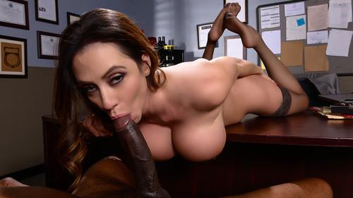 Ariella Ferrera (Milf Squad Vegas: You're Off The Case Ferrera! / 31.03.16)