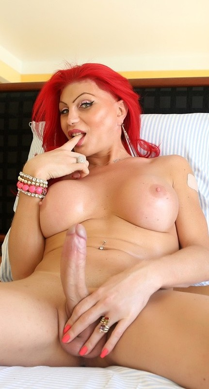 Naughty Redhead Alexia Dchamps! (8 January 2019)