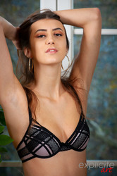 Lina-Luxa-young-French-porn-debutante-3000-px-66-pics-66tp17cnql.jpg