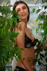 Lina-Luxa-young-French-porn-debutante-3000-px-66-pics-36tp175s7w.jpg