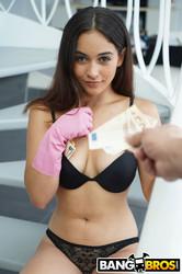 Ginebra-Bellucci-Stretching-My-Maids-Asshole-In-Spain-2000px-387X--36ub0rm6rr.jpg