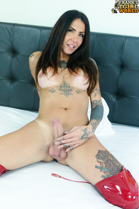 Wanessa Makes Her Cock Cum! (22 January 2019)