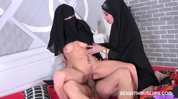 Freya Dee and Nicole Love SexWithMuslims