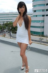 Sophia-Whitedress-2--06vbvp4hqa.jpg