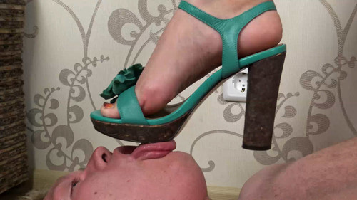 Anna - high-heeled sandals trampling Full HD