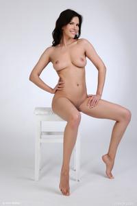Susi R - Welcome-m6vpmrdxbj.jpg